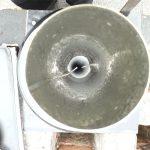 Abgasleitung mit Schrauben gesichert
