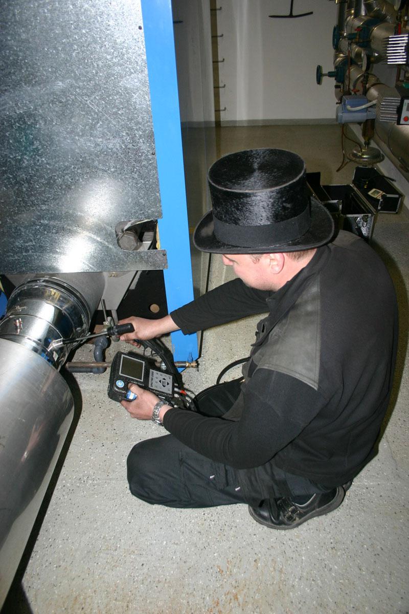 Kehr- und Überprüfungstätigkeiten einschließlich Messungen nach der 1. BImSchV