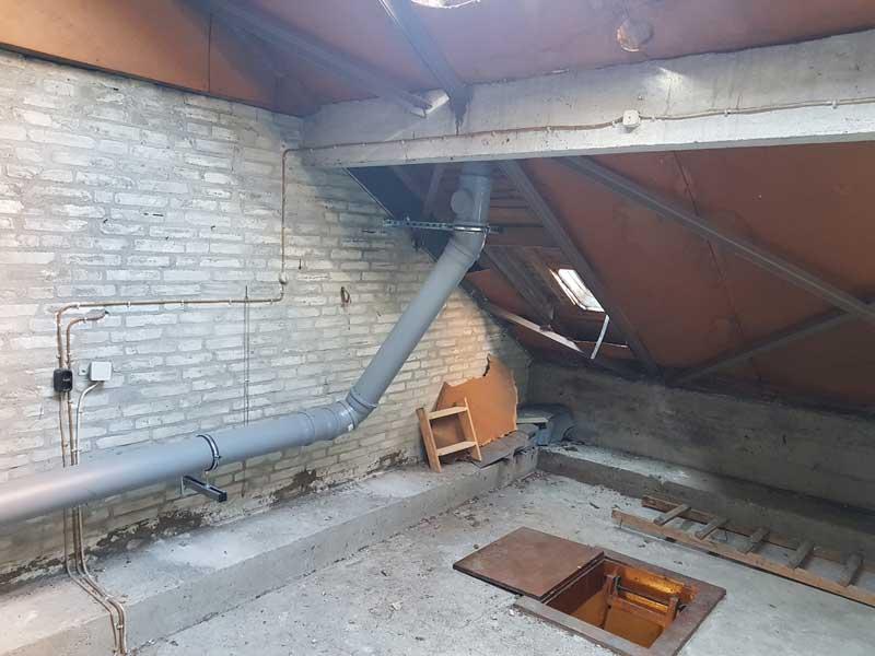 Abgasleitung Dachboden